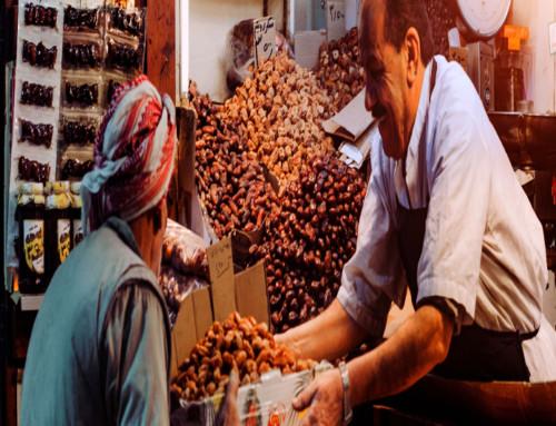 Directrices de la CE para la aplicación de sistemas de gestión de seguridad alimentaria en sectores minoristas y donación de alimentos.
